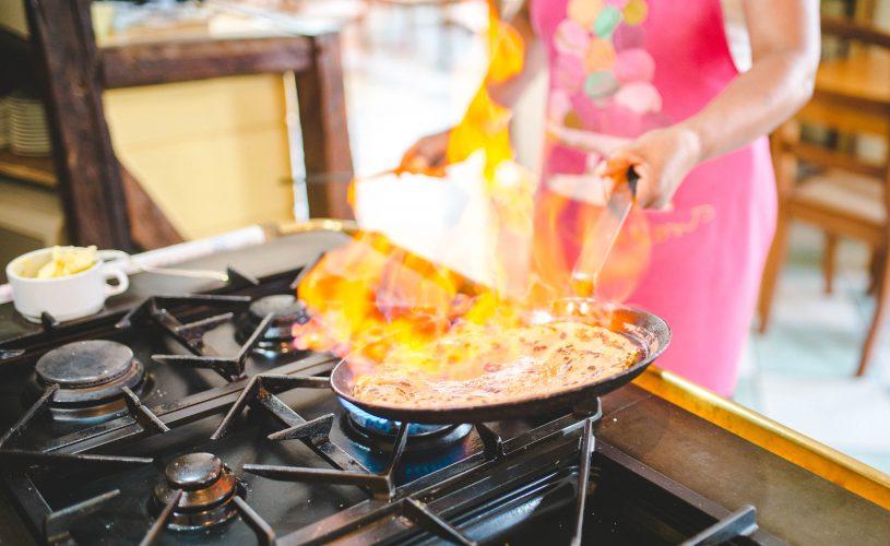 Préparation de la crêpe au Tsilaosa